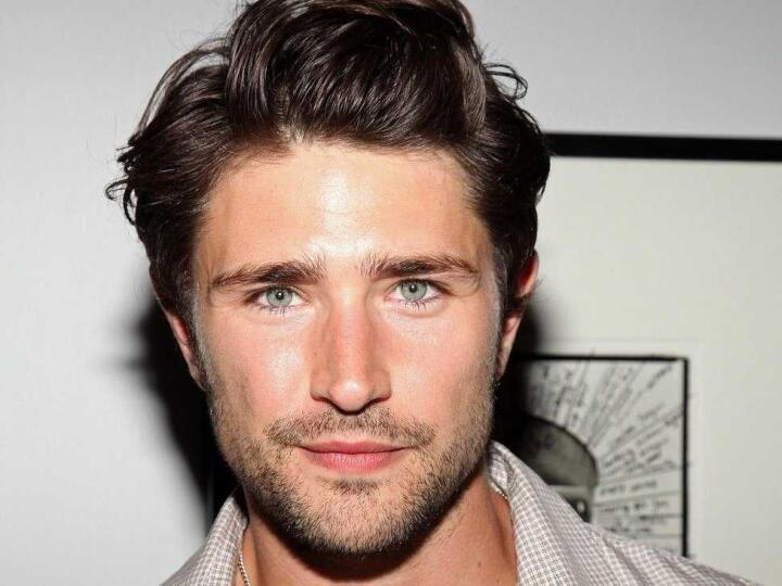 Matt Dallas is a gorgeous and openly gay actor whi has a YouTube channel about life with his husband and son