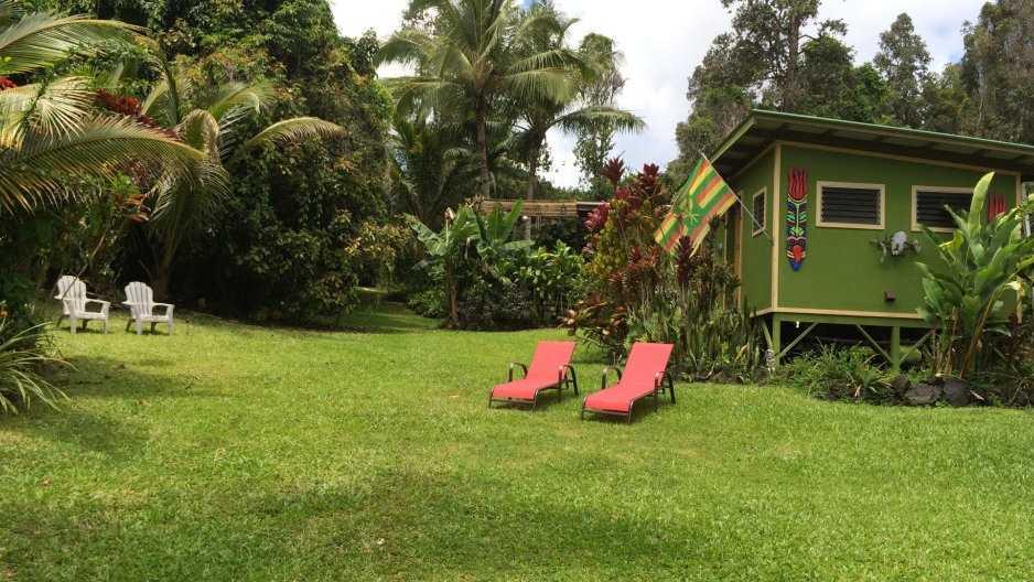 Você pode ficar com um casal gay em sua fazenda de bananas na pousada Isle of You Hawaii Naturally