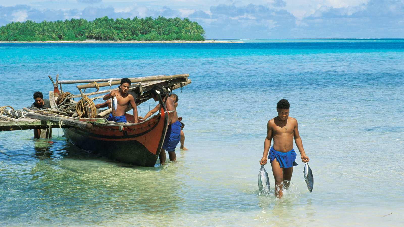 Explore the Pacific nation of Micronesia on a gay diving trip!