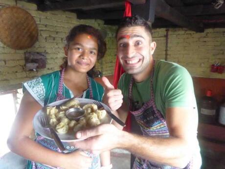 Momos são deliciosos bolinhos do Nepal que todos os viajantes precisam experimentar