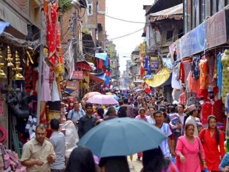 Fora do escritório oferece uma fabulosa viagem em grupo para gays explorando os destaques montanhosos do Nepal e do Butão