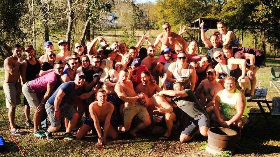 O Sawmill Camping Resort é um dos melhores acampamentos gays dos EUA com uma verdadeira sensação de camraderie