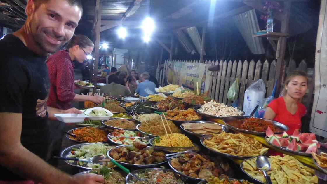 The 15 Best Laos Street Food to try