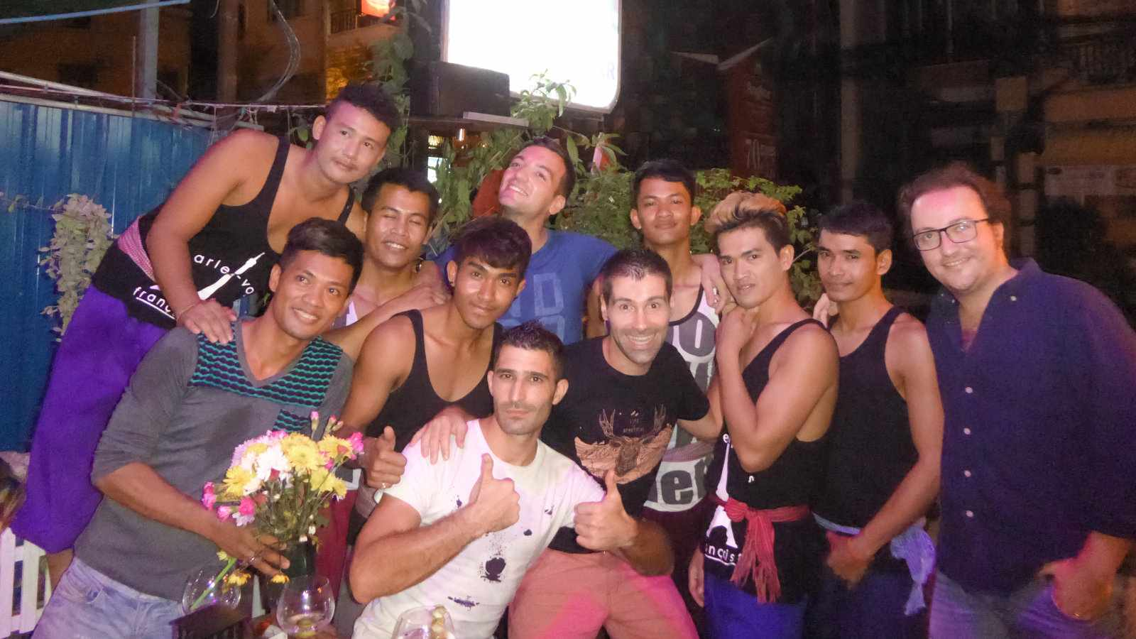 Cambodian locals love meeting travelers in Phnom Penh!