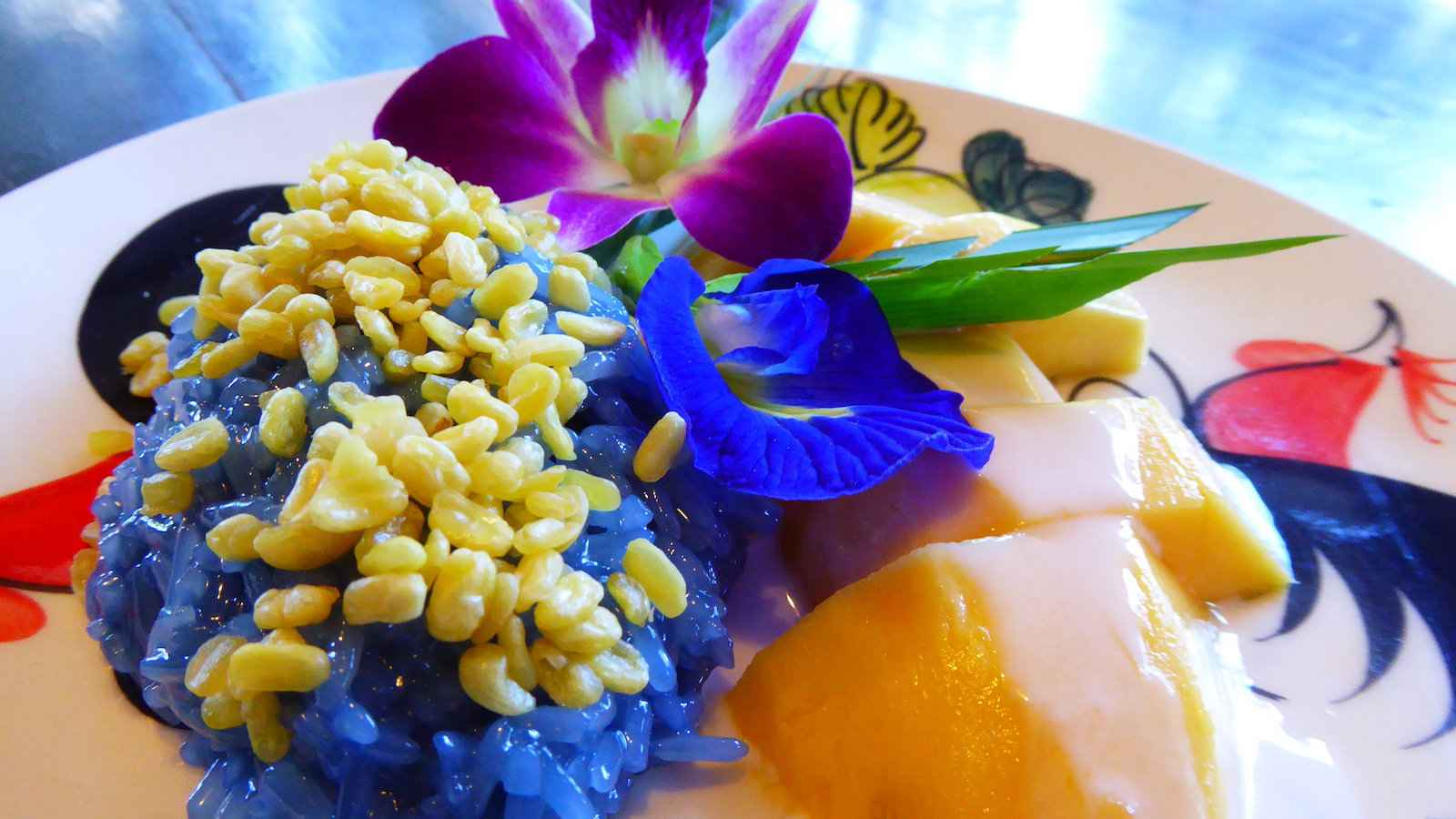 Mango sticky rice is one of the best sweet treats you can get at street food markets in Laos