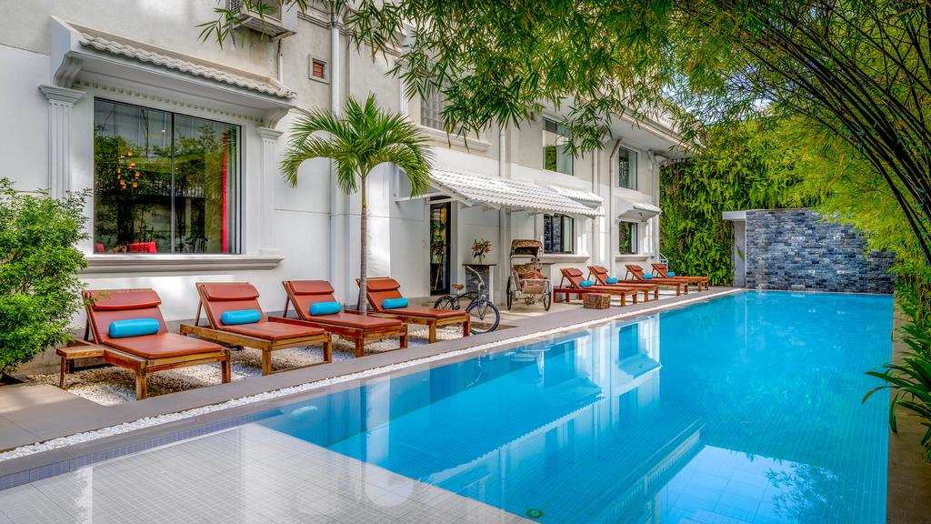 The beautiful swimming pool at White Mansion Boutique Hotel in Phnom Penh