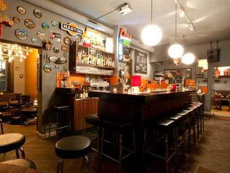 Daniel H. Bar is a gay friendly spot with cool tunes and drinks, as well as yummy food