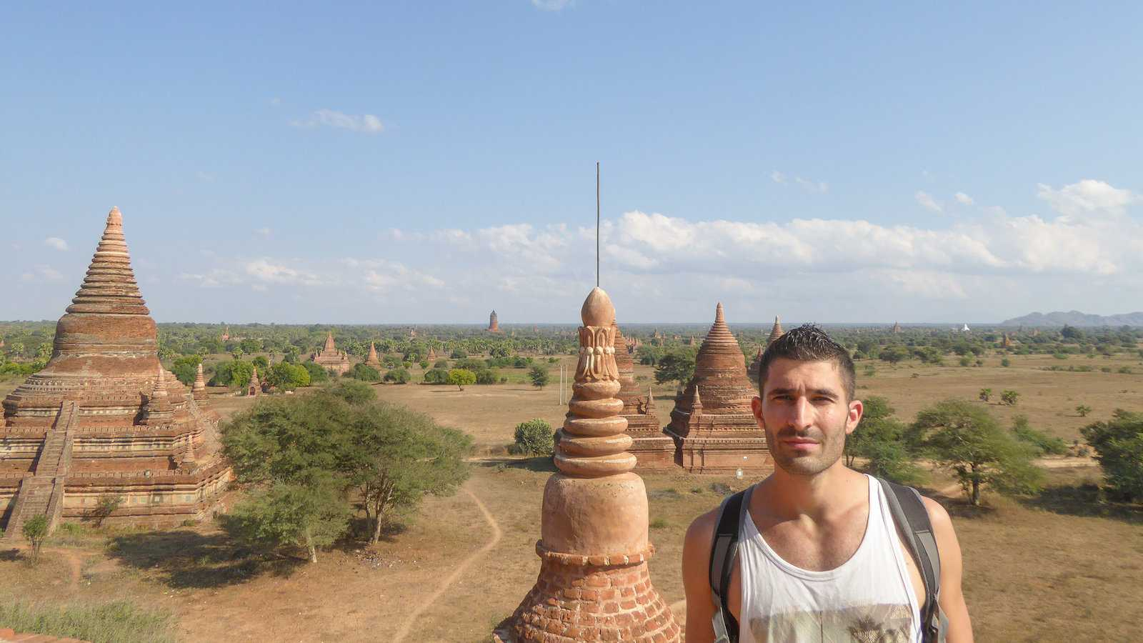 The best pagodas for sunset and sunrise in Bagan are the less popular ones