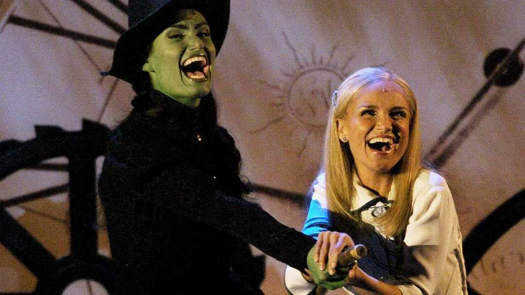 Kristin Chenoweth is a Christian supporter of gay rights who can teach us all something