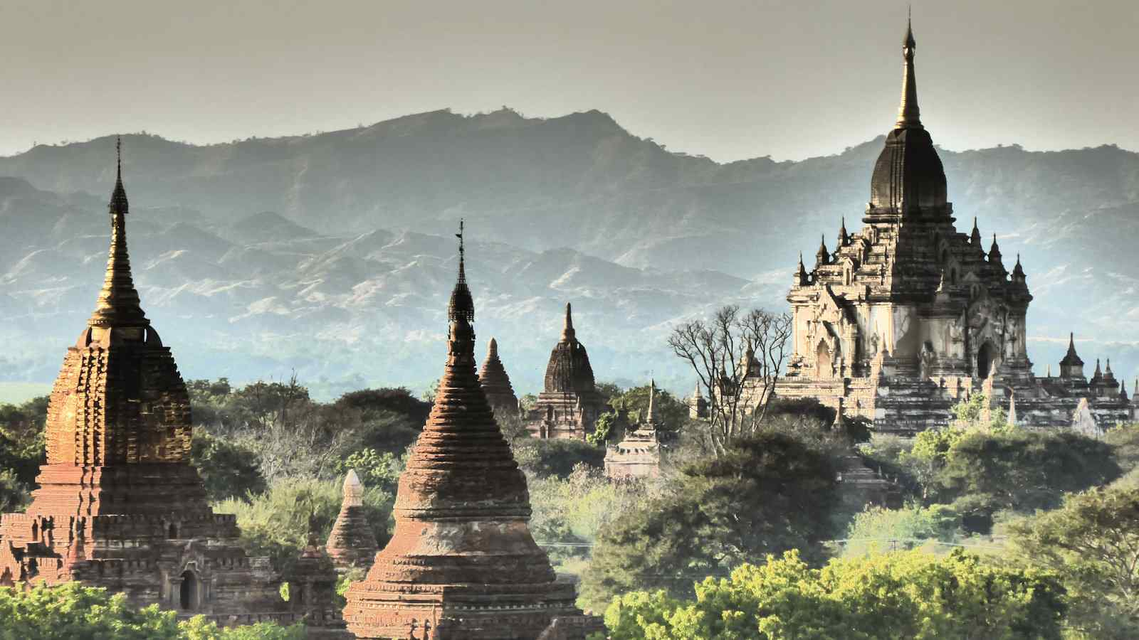 North Guni pagoda is one of the best in Bagan to see sunset