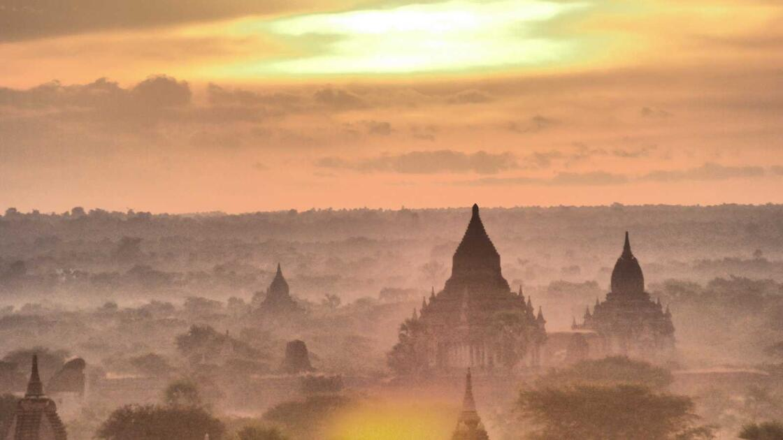 The 5 best spots to watch the sunset and sunrise in Bagan