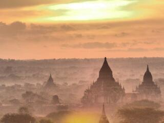 This is our guide to the best temples in Bagan to see sunrise and sunset