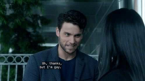 """The """"thanks but I'm gay"""" line from How to Get Away with Muɾdeɾ is now a hilarious meme"""