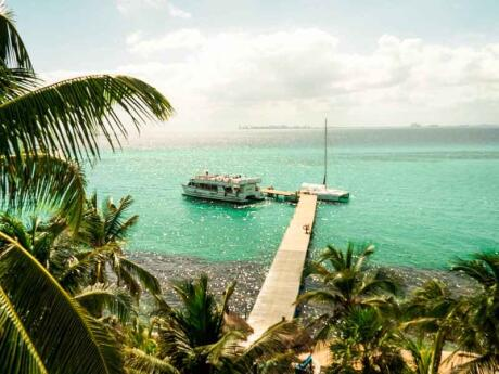 A day trip to Isla Mujeres from the Riviera Maya is ideal for relaxation